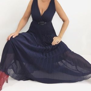 Dark blue accordion pleated evening Maxi dress